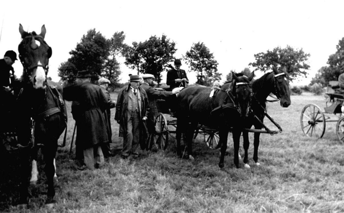 Geschichte des Stover Rennens: Pferdekutschen